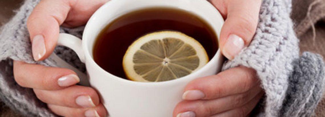 שתיית לימון במים חמים