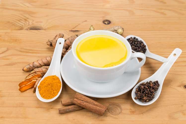 תה כורכום התחליף הטבעי לכדורים משככי כאבים