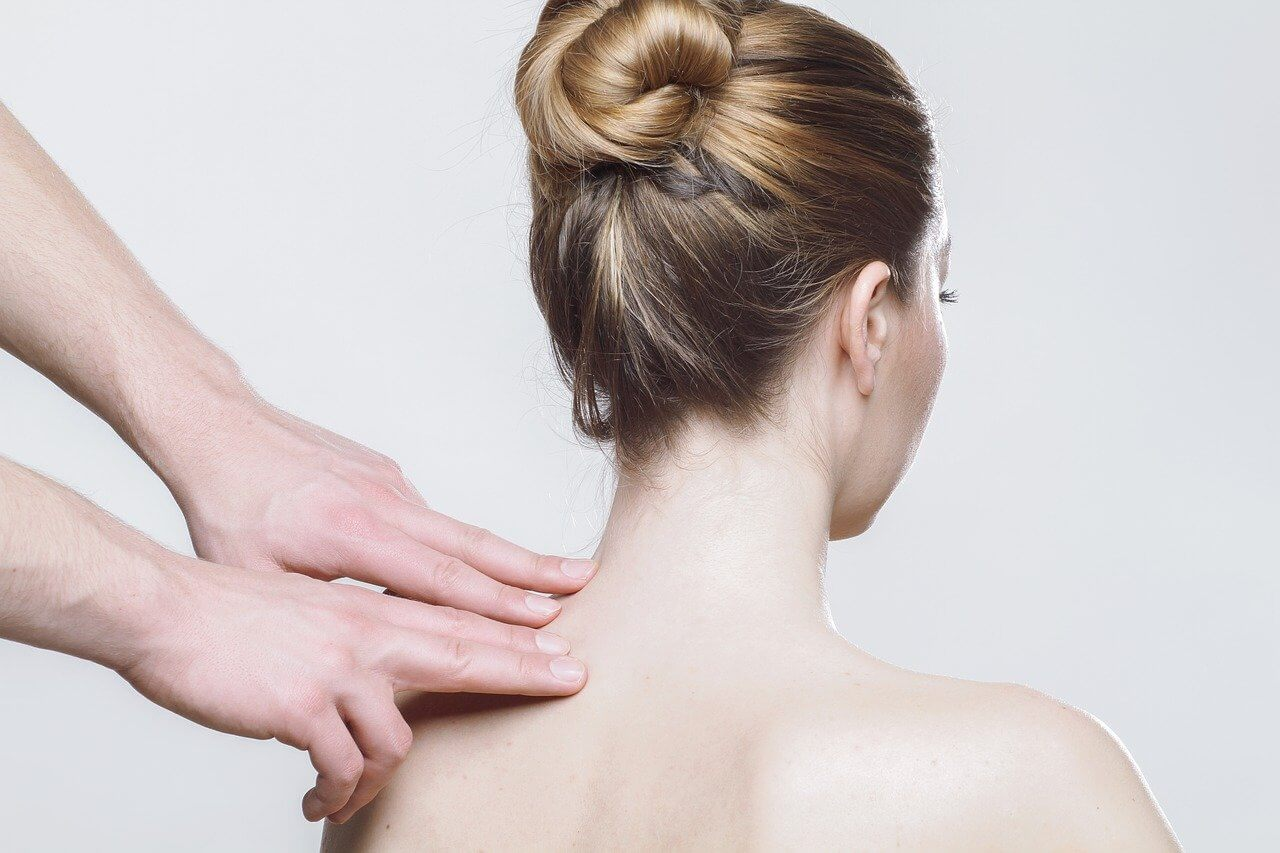 כאבי גב עליון התמודדות וטיפול