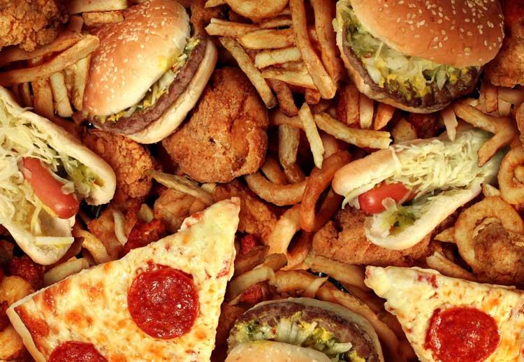 6 מזונות הגורמים לדלקת בגוף