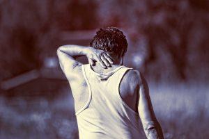 כאב ראש אחורי סיבות וטיפול